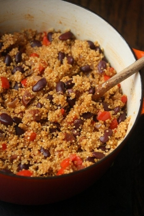 Vegetarian Quinoa and Kidney Beans Skillet